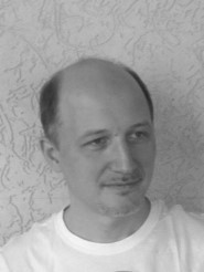 Владимир Галата — психолог, психолог-консультант,  аналитик,  сертифицированный специалист по Модуляции телесности, ведущий клиентских групп.